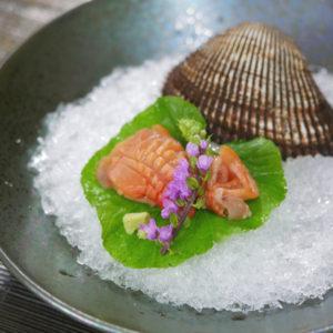 赤貝のさばき方とマグロ、真鯛の刺身 三点盛りの盛り付け方