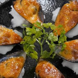 ムール貝の下処理と簡単焼きレシピ